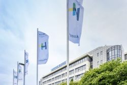 H Heidelberg βελτιώνει τα καθαρά κέρδη της